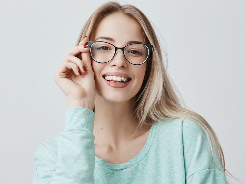 Oprawki okularowe damskie – trendy 2020