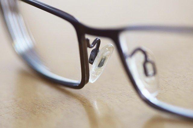 Optometrysta kontra okulista: jaka jest różnica?